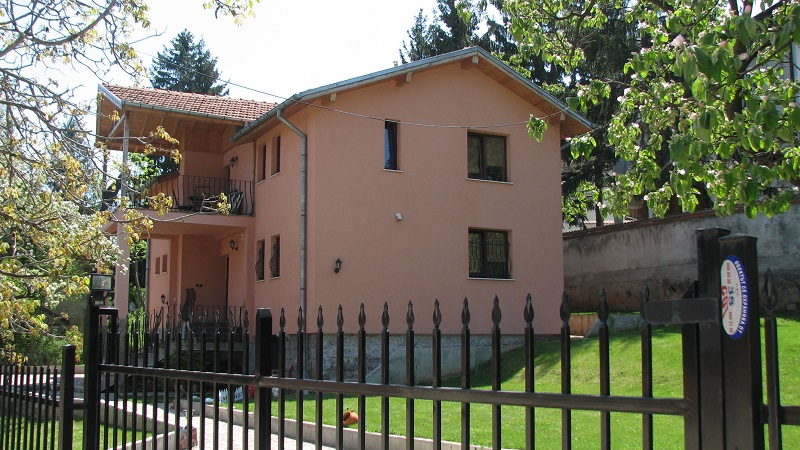 Family home in Boyana
